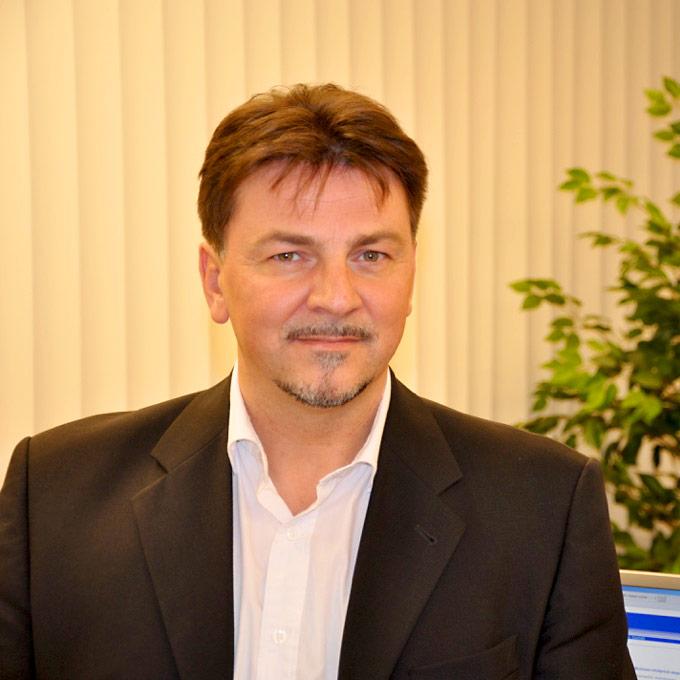 Portraitfoto von Bernd Hese